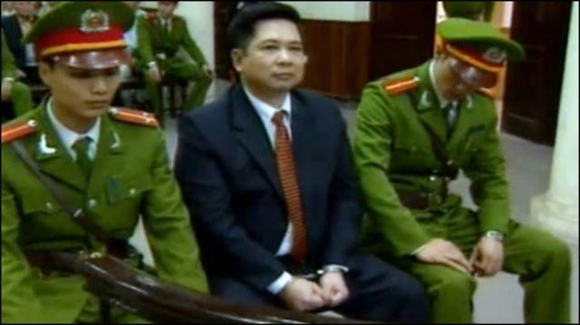 Ông Cù Huy Hà Vũ tại tòa