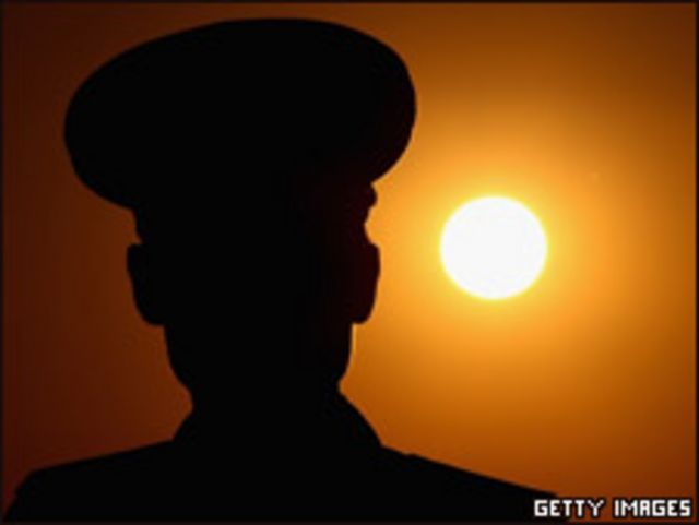 平壤一名朝鮮軍人(03/04/2011)