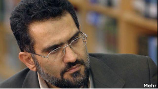 محمد حسینی «اصلاحیه خوردن» کتاب های پیشنهادی ناشران را «نقطه ضعف» آنان دانسته است