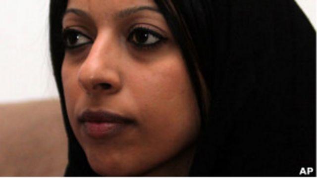 الناشطة البحرينية المضربة عن الطعام زينب الخواجة
