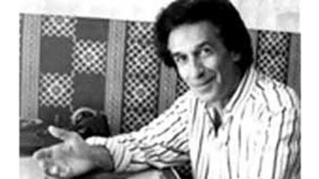 حسین سرشار، آواز را در آغاز در هنرستان عالی موسیقی آموخت