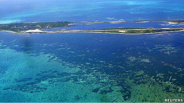 東沙群島環礁位於距台灣高雄西南450公里處(15/09/2010)
