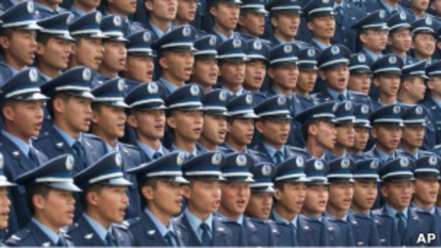 台灣軍校畢業生(2006年資料圖片)