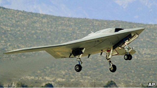 美國海軍X-47B型無人機試飛