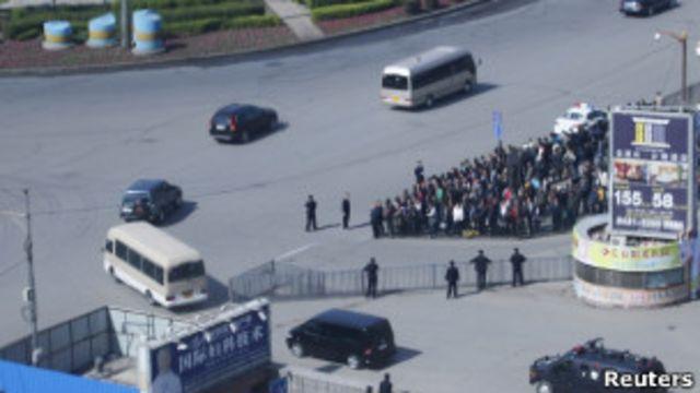 據信載有金正日一行的車隊周六早晨駛離長春火車站(21/05/2011)