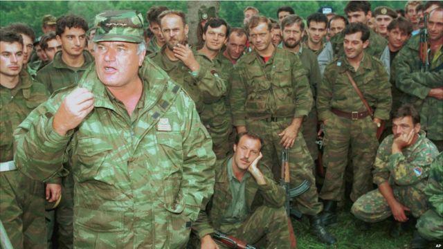 Jenderal Ratko Mladic sebagai panglima AD Serbia Bosnia