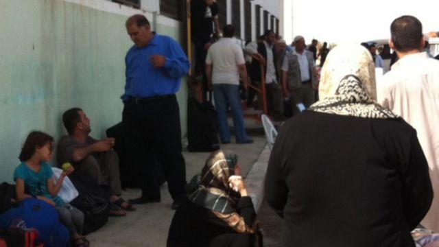 مقام های مصری می گویند گذرگاه مرزی رفح با نوار غزه را به صورت دایم بازگشایی می کنند تا از فشار ناشی از محاصره اقتصادی اسرائیل بر ساکنان این بخش از سرزمین های فلسطینی کاسته شود.