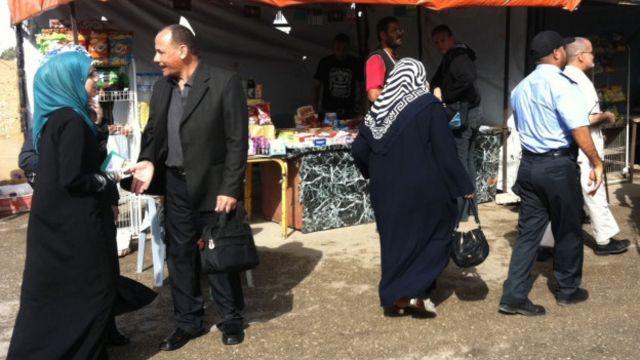 خبرنگاران می گویند بازگشایی این گذرگاه مرزی، نشانه تغییر عمده ای در سیاست های مصر از زمان سرنگونی حسنی مبارک است.