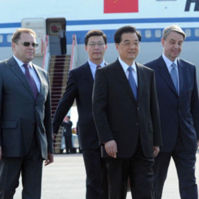 胡錦濤抵達俄國進行國事訪問(新華社照片)