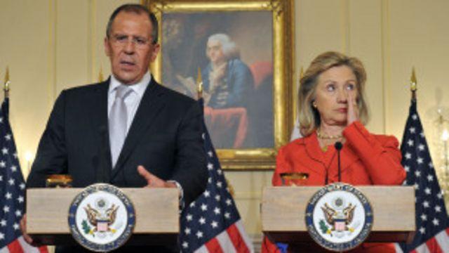 هیلاری کلینتون گفت کارشناسان آمریکا و روسیه طرح مسکو را بررسی خواهند کرد