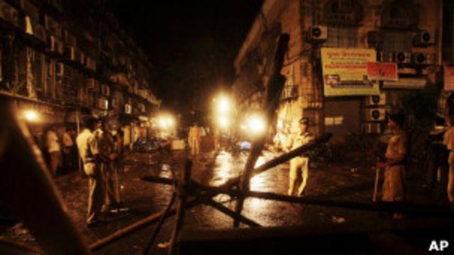 印度商業中心孟買發生炸彈爆炸事件,至少21人喪生(14/07/2011)