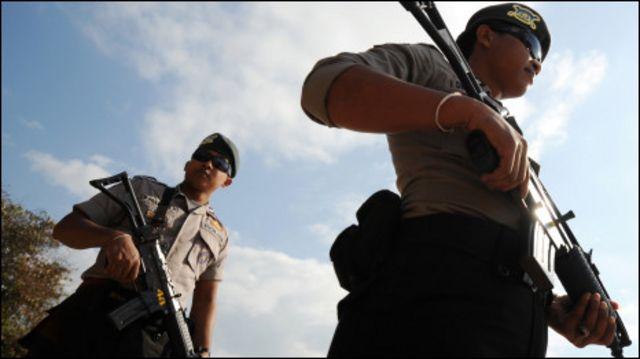 An ninh Indonesia tuần tra bãi biển Nusa Dua ở Bali hôm 16/7 trước các cuộc họp cao cấp của ASEAN