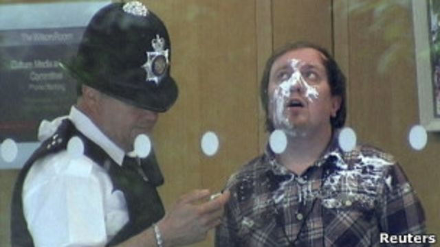 Нападавший на Мердока и полицейский