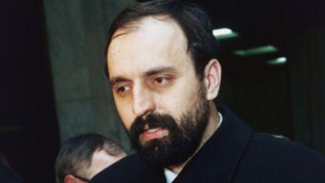 Hadzic adalah buron terakhir penjahat perang Serbia