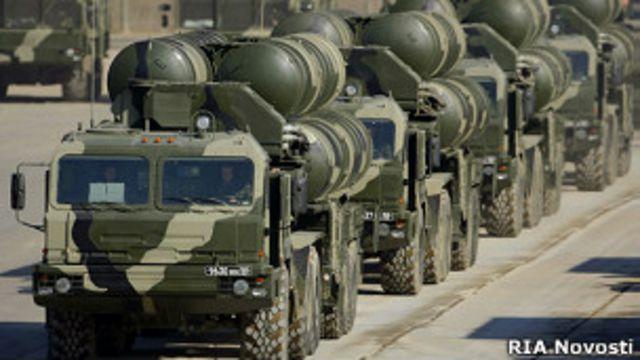 Пусковые установки ЗРК С-400 на подмосковном полигоне