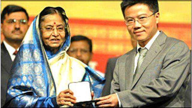 Viện Nghiên cứu cao cấp về Toán được thành lập vào ngày 23 tháng 12 năm 2010 Quyết định số 2342/QĐ của Thủ tướng Chính phủ.