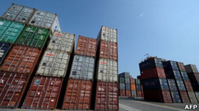 馬尼拉一個海港的集裝箱