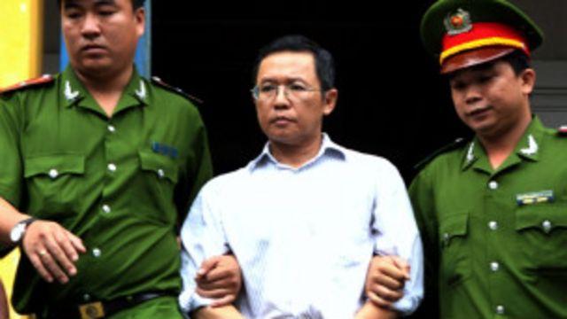 """VN tuyên án tù đối với Việt Kiều Pháp Phạm Minh Hoàng vì tội """"âm mưu lật đổ chính quyền'."""