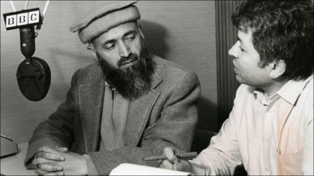 دا د ۱۹۸۳ کال انځور دی، چې د بي بي سي پښتو نبي مصداق د افغانستان اسلامي جمعيت له مشر برهان الدين رباني مرکه کوي.