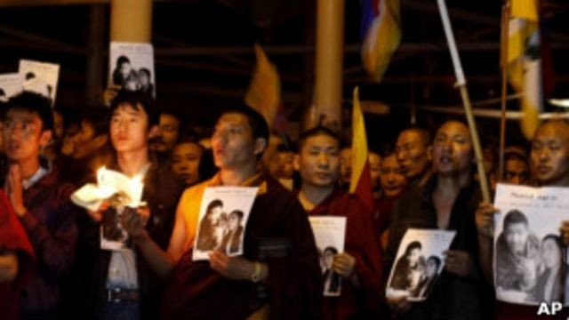 流亡藏人在達蘭薩拉悼念彭措(17/03/2011)