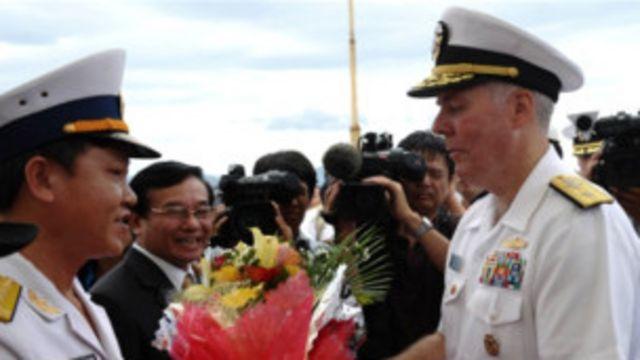 Trao đổi hải quân Việt-Mỹ