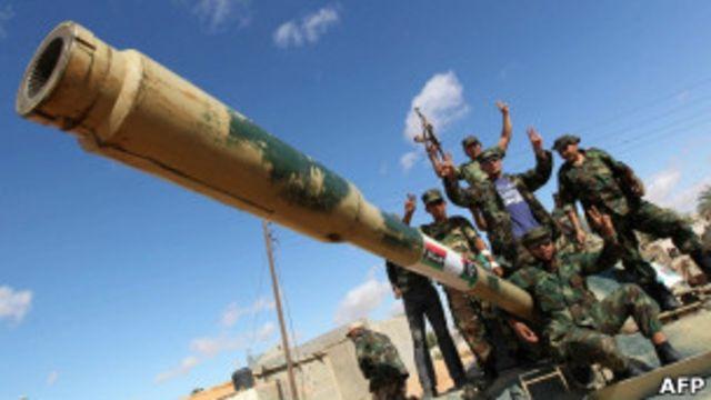 Противники Каддафи около Бани-Валида