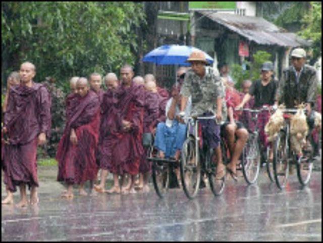 ၂၀၀၇ သံဃာ့ လှုပ်ရှားမှုကြီးအတွင်း ရဟန်းသံဃာ အများအပြား ပါဝင်ခဲ့ကြ