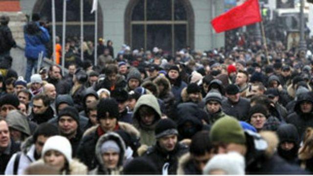 Người biểu tình tụ tập tại Moscow và Vladivostok để phản đối kết quả kỳ bầu cử quốc hội mới đây.