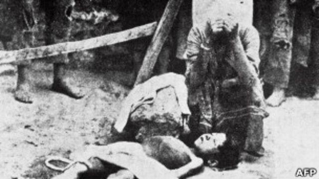Архивное фото армянской резни 1915 года