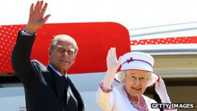 الملكة إليزابيث مع زوجها الأمير فيليب