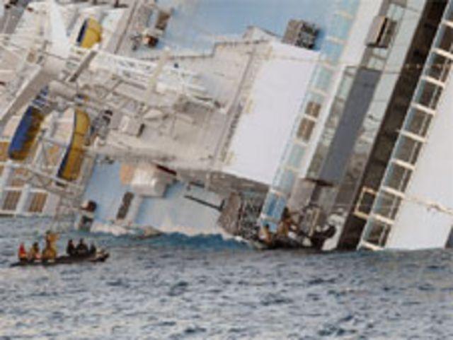 လူတွေ ကယ်လို့ မကုန်ခင် ကတ်ပတိန် သင်္ဘောကို စွန့်ခွာခဲ့