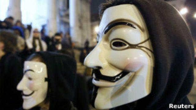Anonymous qrupu üzvləri bu maskadan istifadə edirlər