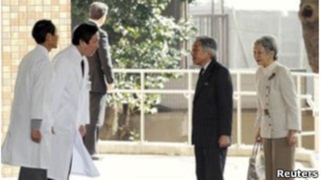 سال گذشته هم امپراتور آکیهیتو به دلیل کسالت مجبور شد به مدت سه هفته در بیمارستان بستری شود