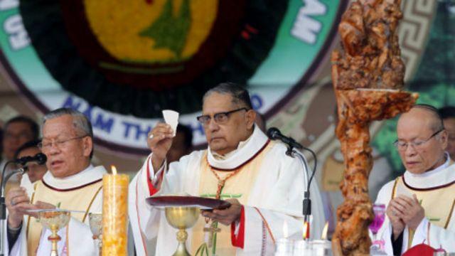 Đức Hồng y Ivan Dias làm lễ tại La Vang đầu năm 2011