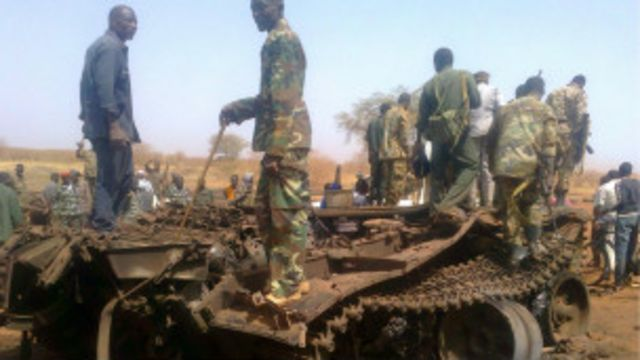 Sojoji Sudan ta kudu a kan wani tanki yaki da su ka kona