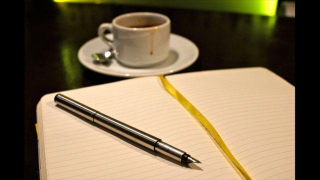 """Foto de un lector por el tema """"Café"""""""