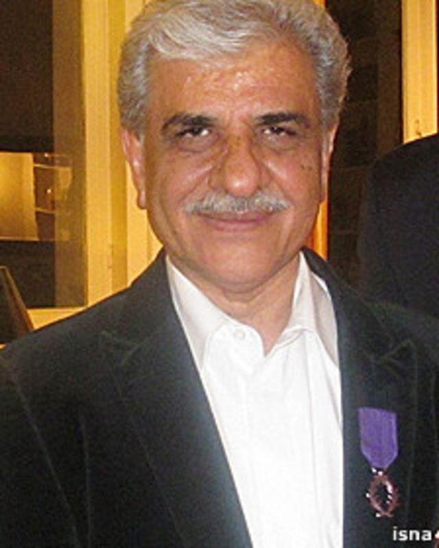 احمد کامیابی از سوی دولت فرانسه نشان عالی «شوالیه پالمهای آکادمیک» را دریافت کرده است