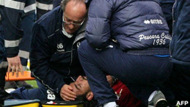 موروسيني لدى سقوطه في أرض الملعب