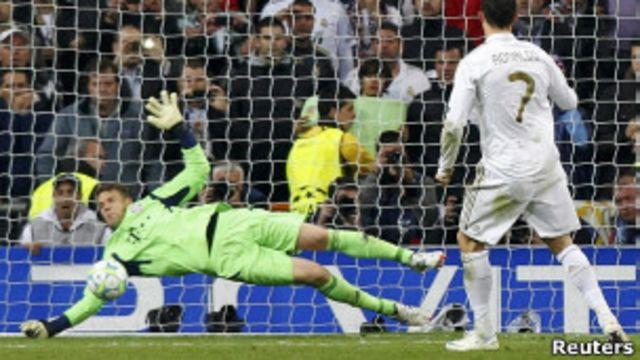 Роналду не сумел забить пенальти