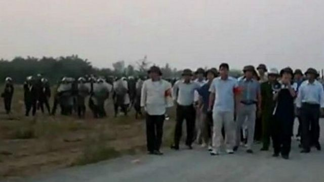 Truyền thông nhà nước không chiếu cảnh hàng ngàn cảnh sát cơ động cưỡng chế ở Văn Giang