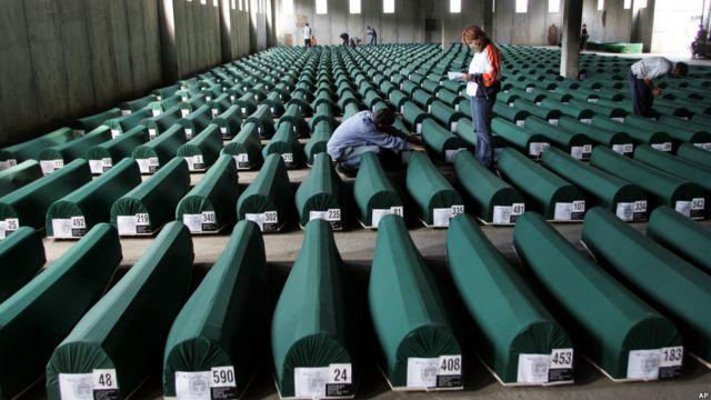 Peti mati 610 korban Srebrenica yang dimakamkan kembali