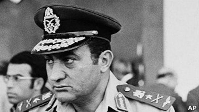 Hosni Mubarak en 1974