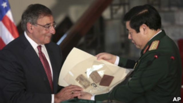 Bộ trưởng Quốc phòng Leon Panetta và Phùng Quang Thanh