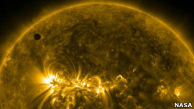 Одни из лучших фотографий прохождения Венеры по Солнцу получили в НАСА