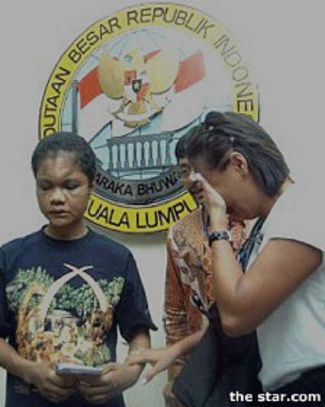 LSM Migrant Care ikut berperan dalam mendampingi kasus penyiksaan tenaga kerja migran asal Indonesia, Nirmala Bonet, pada 2004 lalu.