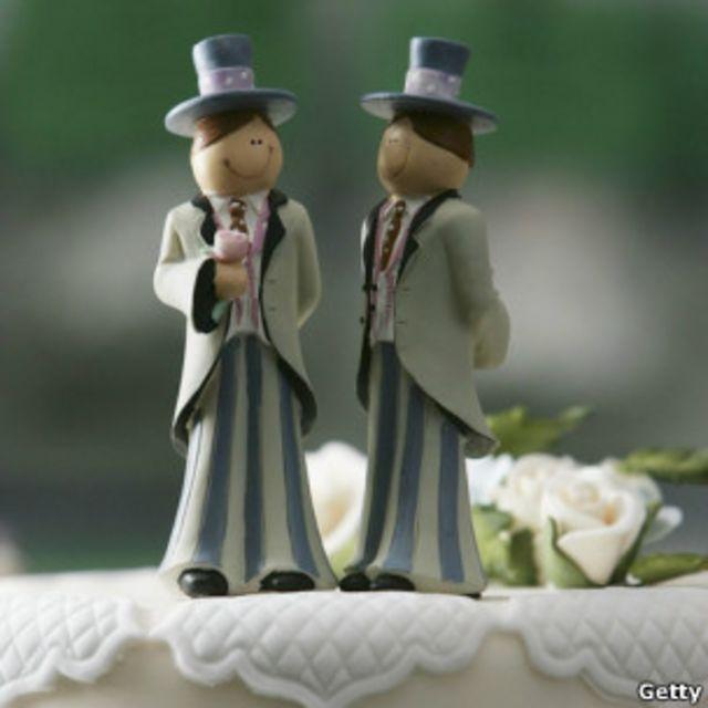 婚禮蛋糕上的同性小人像