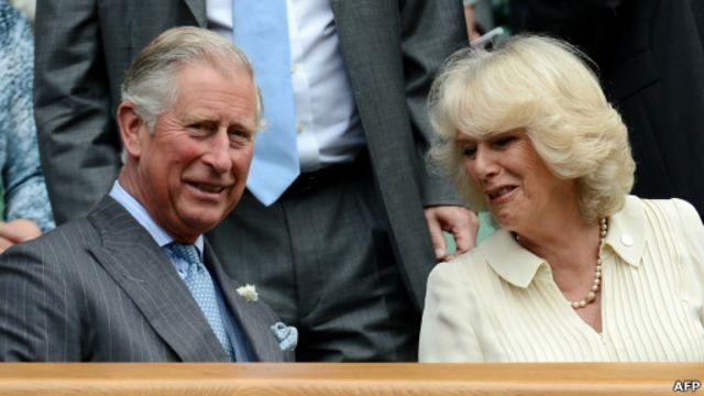 Pangeran Charles dan istrinya, Camilla.