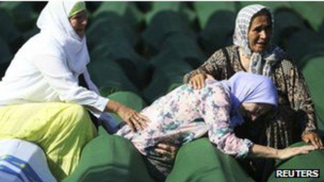 Keluarga korban pembantaian