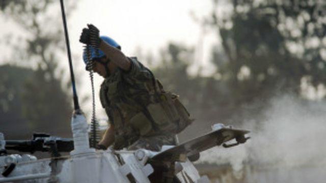Un Casque Bleu à Goma. Pour la première fois, une brigade de l'ONU sera dotée d'un mandat offensif dans l'Est de la RDC