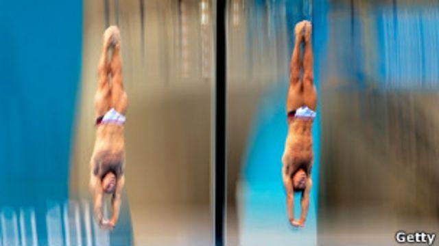 Британские спортсмены на соревнованиях по синхронным прыжкам в воду